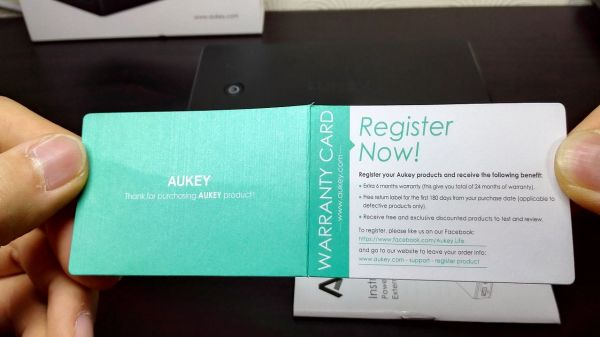 aukey-led-mobile-battery(PB-Y1)014