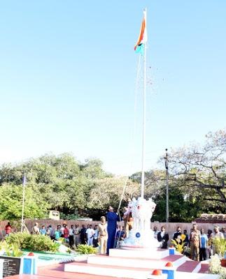 ராமநாதபுரத்தில் குடியரசு தின விழா கோலாகலம், கலெக்டர் தேசிய கொடியை ஏற்றினார்!!