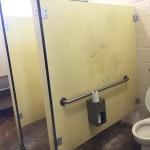 外国のトイレはヤるとは聞いていたけどここまでだとは!
