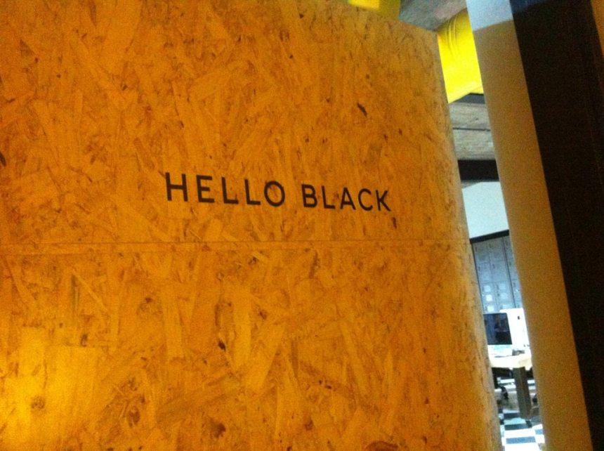 Puerta de Hello Black Hermosillo