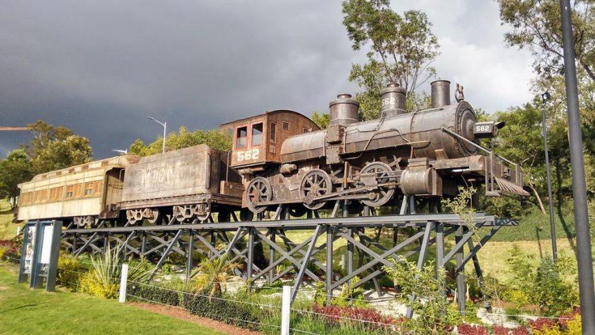 Locomotora 562 en el Parque de los Fuertes en Puebla, Puebla