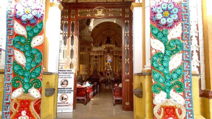 Interior de la Iglesia de Nuestra Señora de los Remedios en San Pedro Cholula, Puebla