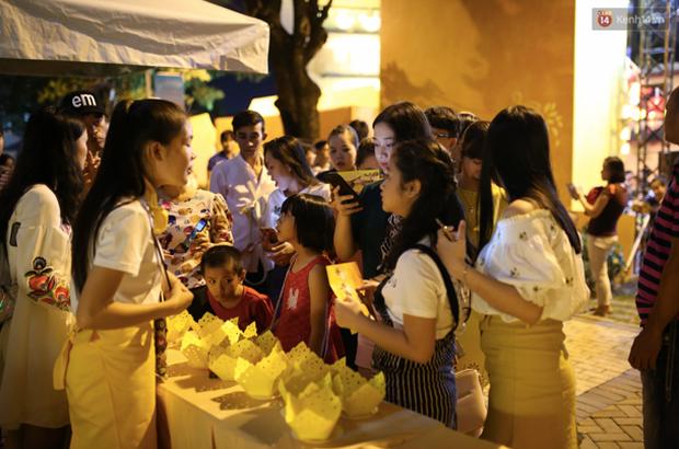 Nghìn góc ảnh sống ảo đẹp miễn chê tại Hội An thu nhỏ giữa lòng Sài Gòn - Ảnh 20.