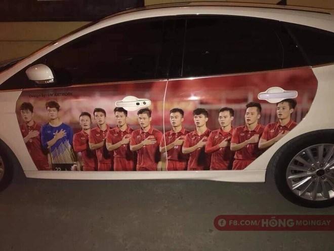 Một không khí rất khác trước ngày diễn ra trận chung kết U23 Châu Á: Màu cờ sắc áo đã tràn ngập khắp phố phường! - Ảnh 5.