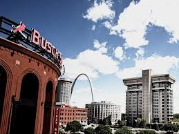 The building where I lived is on the right. It is not among the things about St. Louis I will not miss.