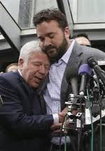 This tender moment elevated Jeff Saturday from little known offensive lineman to nationally famous and tender leader.