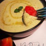 Keto Hummus Dip aus Zucchini