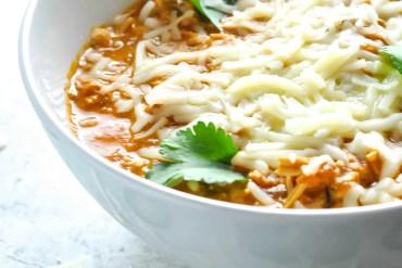 Shredded Chicken Chili Recipe #ketogasm #keto #ketogenic #atkins #healthy #chicken #chili #recipe