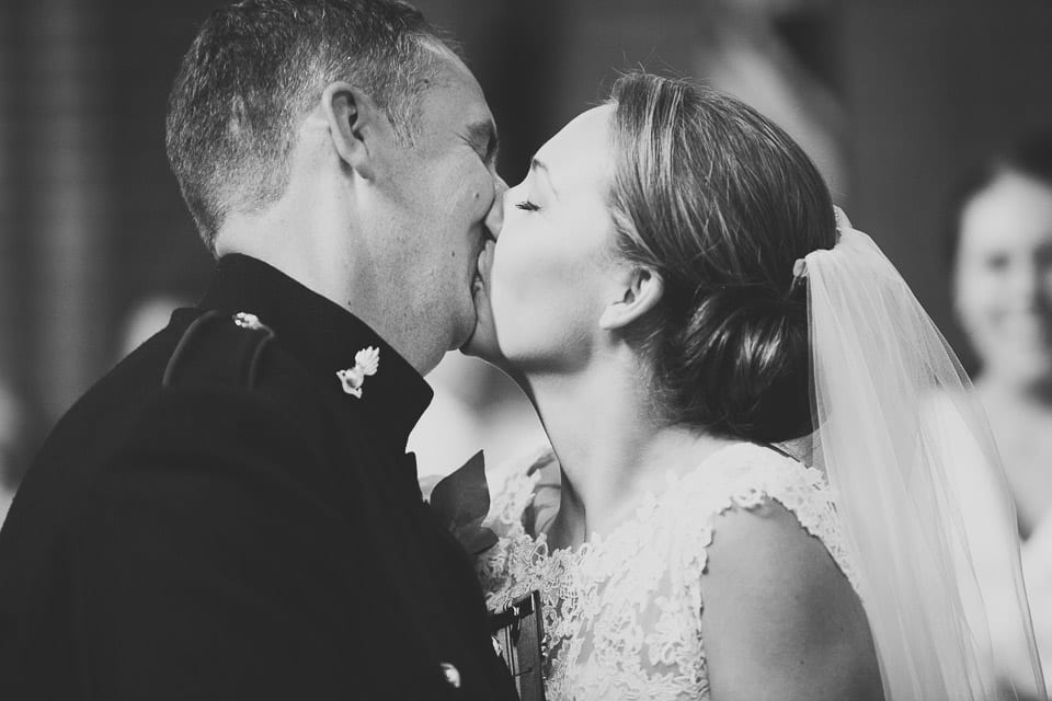 First kiss - Military Wedding