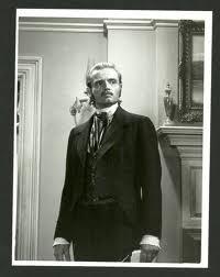 Richard Jordan encarnó en los ocho episodios el papel de Joseph Armagh