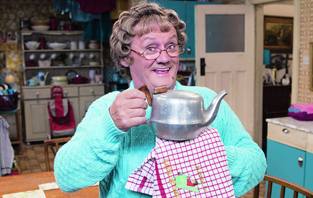 Irish mammy Agnes Brown (Brendan O'Carroll) settles into the second week of her chat show, a bit like The Kumars with added craic.