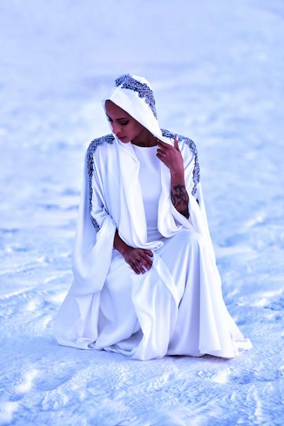 haifa-fahad-online-whitehoodedabaya