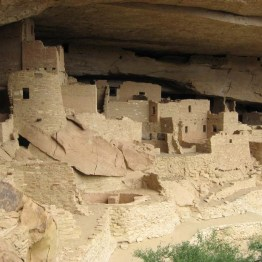 The homes built into the cliffs that are now the Gila Cliff Dwellings National Monument in New Mexico were inhabited by the Mogollon poeple from late 1200s to 1300s. Perched 180ft above the canyon floor, they contain about 40 rooms.