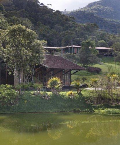 Thiết kế nhà trên nước độc đáo: Thiên đường ngày hè