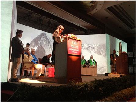 Chủ tịch ARCASIA – KTS Tan Pei Ing phát biểu khai mạc