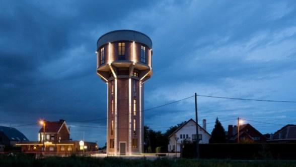 Chiêm ngưỡng ngôi nhà độc đáo nằm trong tháp nước bỏ hoang