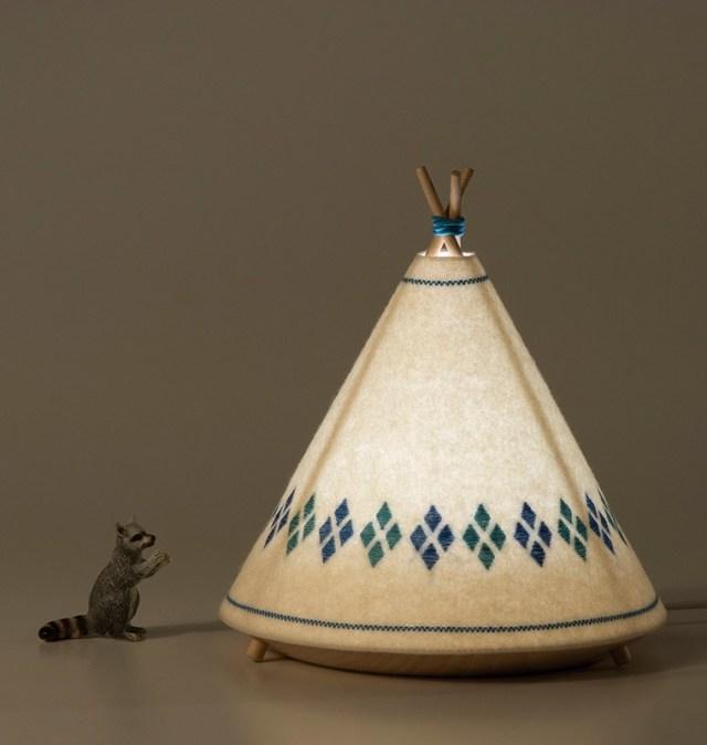 Thiết kế đèn Tipi – Cảm hứng từ Miền Tây hoang dã / Javier Herrero * Studio