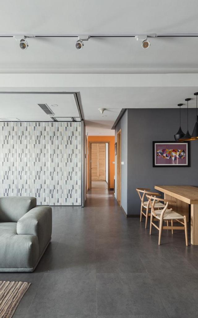 Tổng thể không gian chung phòng khách, bếp,  ăn nhìn từ phía lối vào