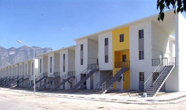 Khu nhà ở Monterrey (2010) ở Monterrey, Mexico. do Aravena thiết kế. Ảnh: Ramiro Ramirez.