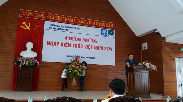 PGS.TS. KTS Lê Quân – bí thư Đảng ủy – Hiệu trưởng trường ĐHKT Hà Nội