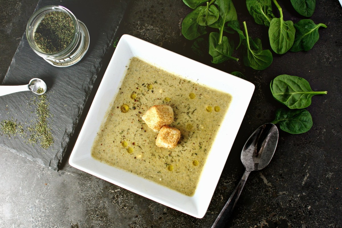 Creamy Dill and Spinach Chickpea Soup