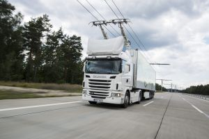 Scania G 360 4x2 with pantograph, electrically powered truck at the Siemens eHighway.  Gross Dölln, Germany Photo: Dan Boman 2014