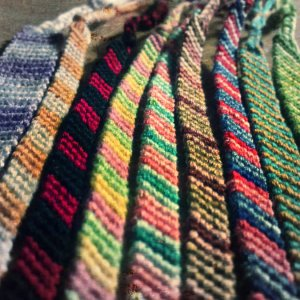 thankful-friends_friendship-bracelets