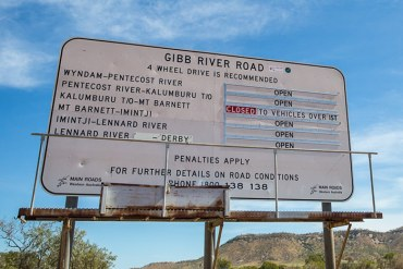 Roadsign at the start of the Gibb River Road