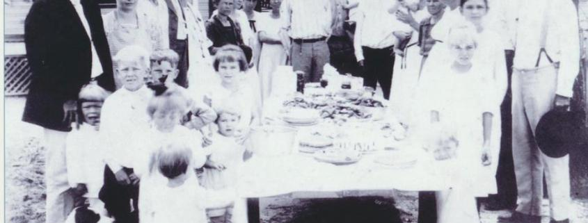L to r: Glover & Minnie Reaves, Irwin Reaves, Reva & Mrs Smith (?), Ada Reaves Clyatt, Mabel Reaves Johnson, Creacy Reaves Bronson, Ida Reaves Martin, Edwin Johnson, Albert & Lloyd Bronson, Asbury Reaves, Abbie & Sallie, Jimmie Reaves (great grandma), Mary & William Walker (Minnie Reaves' parents), James Reaves (great grandpa). Children: Kenneth Clyatt, Lindsey Clyatt, Irene Johnson, Olin Reaves, Creasy Reaves, Wilma Martin, Edith Reaves, Ruth Martin, friend of Mary & Mary Reaves, and Eunice Bronson.
