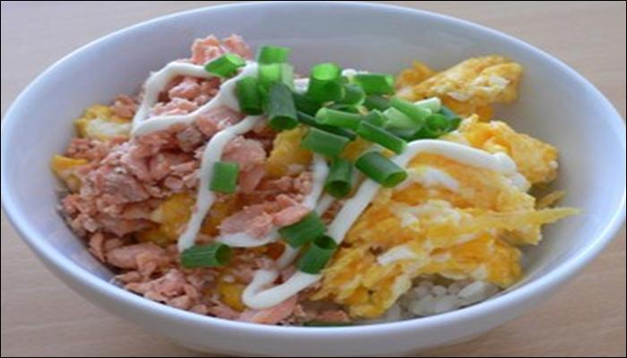 丼もの 簡単レシピ 鮭フレーク丼