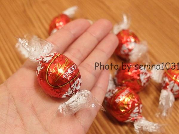 リンツベアー缶チョコレート