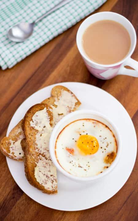 Baked Eggs, Ham & Tomato
