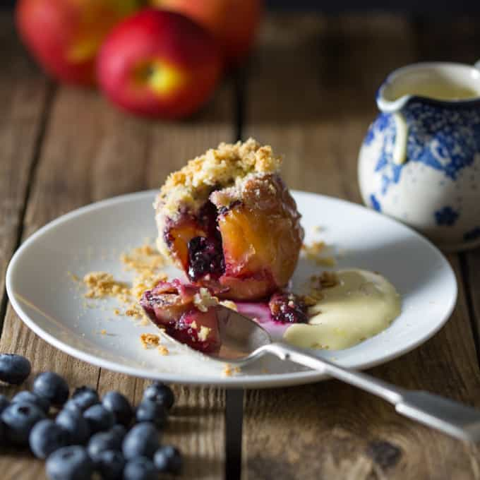 Stuffed Apples with Crumble Topping - Soft baked apples filled with ...