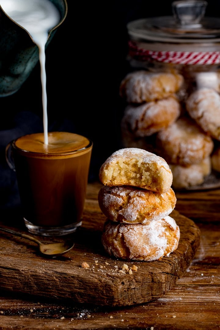 Italian Amaretti cookies - crisp on the outside, chewy on the inside ...