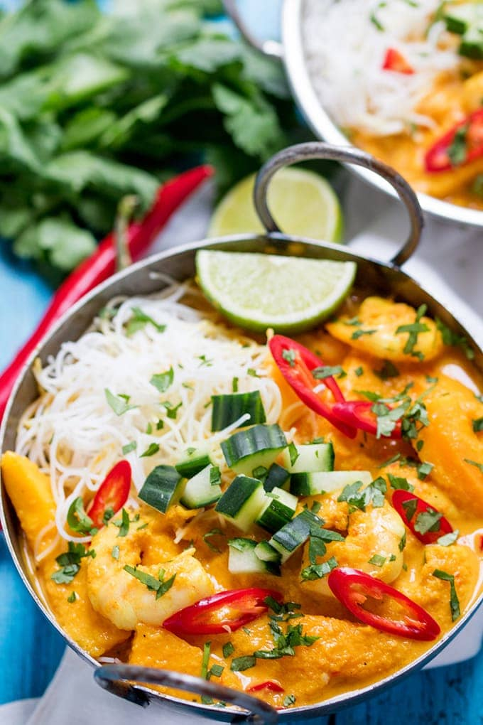 This Prawn and Mango Curry Noodle Bowl is fresh, fragrant and spicy! Plus it's gluten free too!
