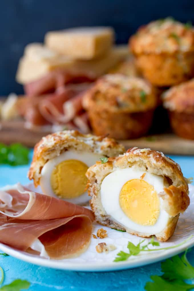 These egg stuffed muffins are cheesy and delicious - perfect for a picnic