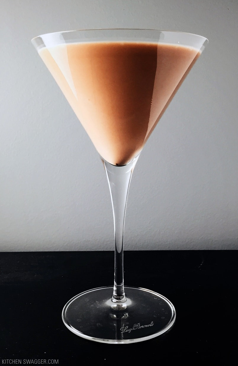 Nov 25,  · Our chocolate martini recipe is so smooth, it almost tastes like chocolate milk with a little kick. This recipe has been in our house for a while, and these chocolate martinis are always a hit whenever they are served.5/5(2).