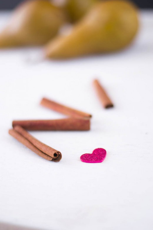 cinnamon-sticks-&-heart