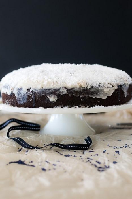 le cake in black
