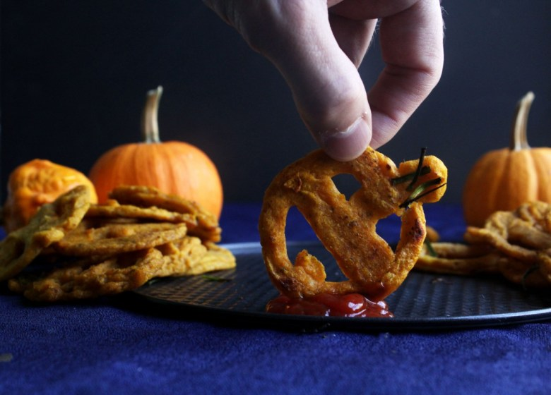jack o lantern smiley fries vegan baked easy