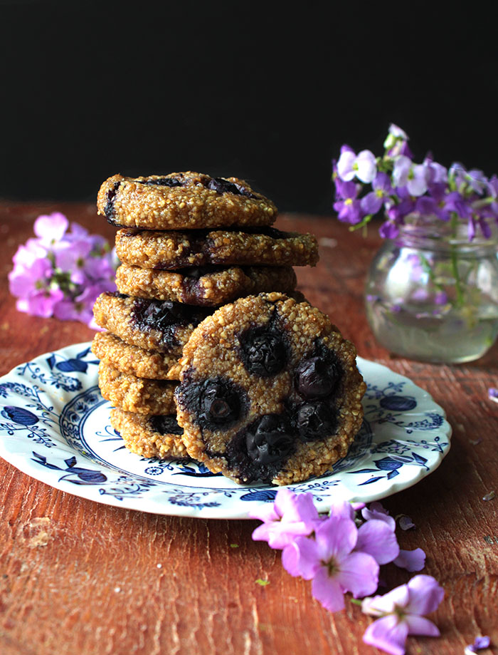 these peanut butter and jelly cookies are the bomb. 30 minutes (including baking time!), 6 ingredients. Oh and they're gluten free and vegan, yesssssssssss