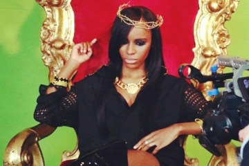 angel-haze-throne