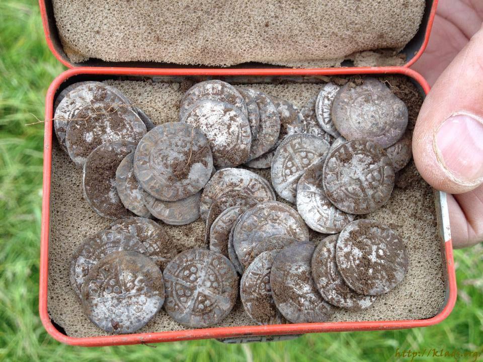 Клад средневековых монет :: находки кладов.