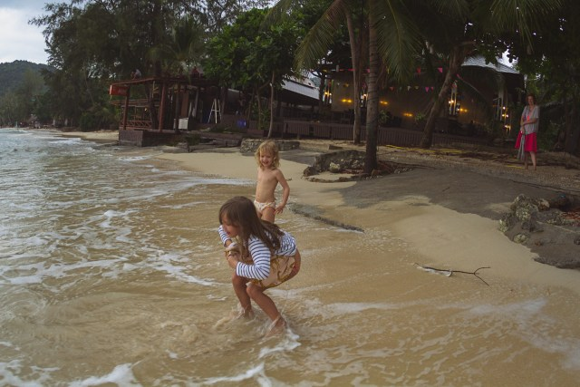 När stormen hade lugnat sig lite vågade tjejerna sig ut och bråka lite med vädergudarna