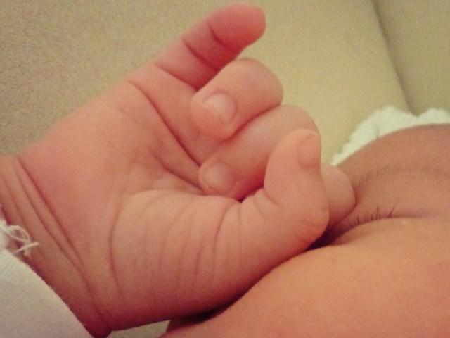 Världens finaste små händer, så lena och krumma