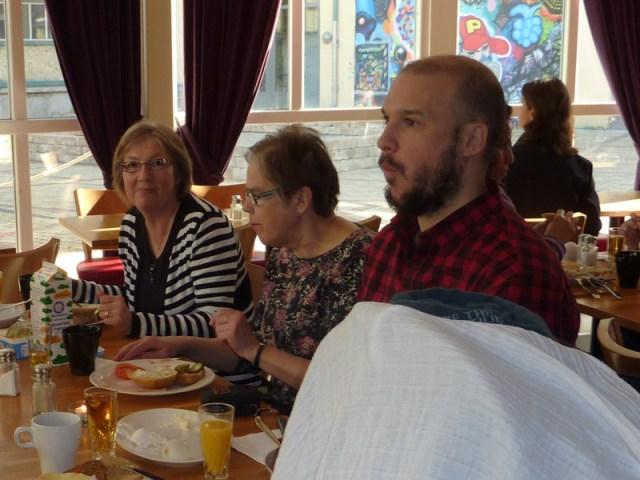 Frukost på hotel More, plus att vi hittade Offa och Lisa där.