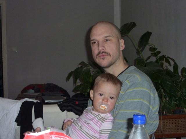 En trött dotter och en trött pappa