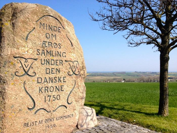 In 1750 kwam Ærø (eindelijk) weer onder de Deense kroon. En dat vieren ze nog steeds, elke dag. Een trotse Ærøer is een trotse Deen.
