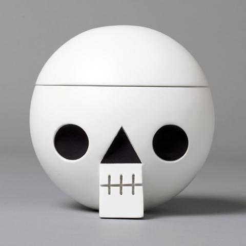 acne jr_ skull box