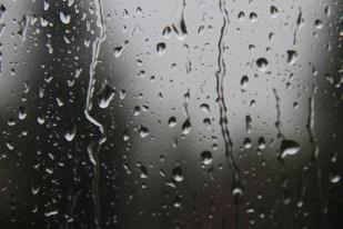 Rain on window. Photo by Jerry Raia / Flickr
